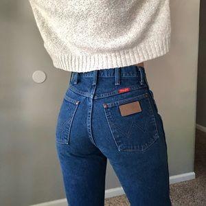 Vintage Wrangler high waist frayed hem jeans